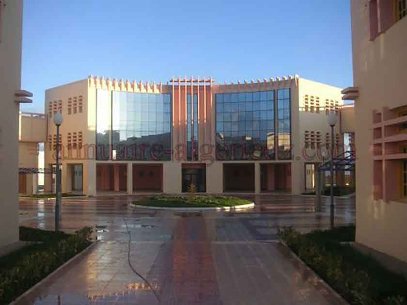 المركز الجامعي الونشريسي - تيسمسيلت